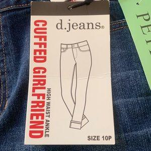d. Jeans- high waist ankle jeans.